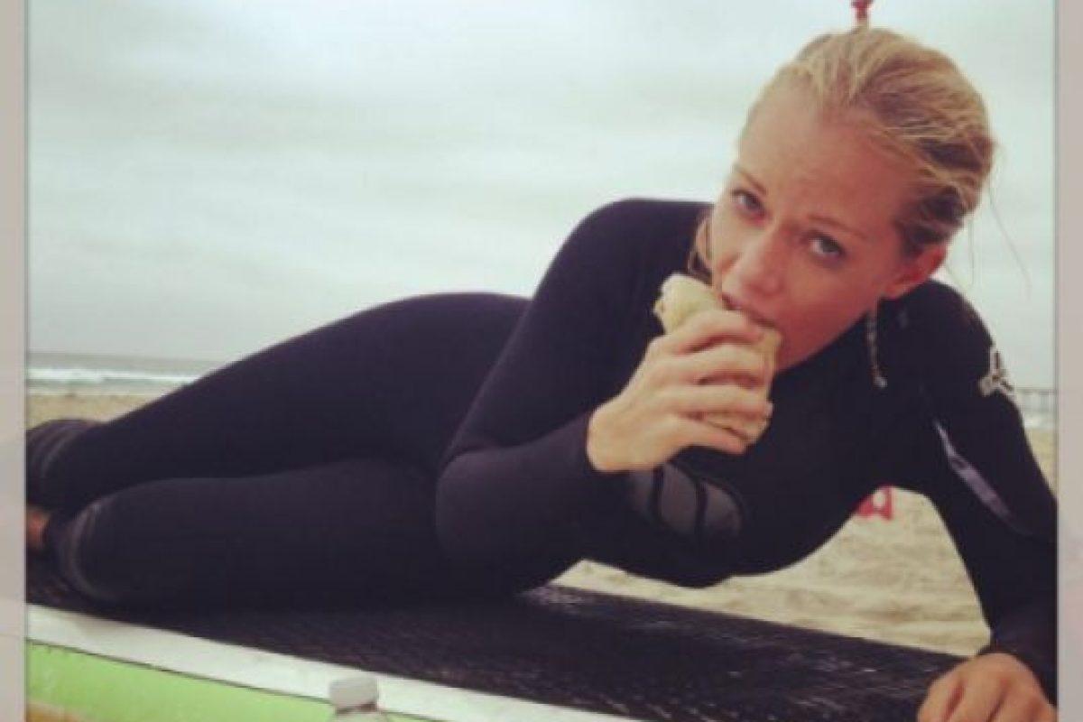 Kendra Wilkinson comió un pene de antílope Foto:Twitter/Kendra Wilkinson. Imagen Por: