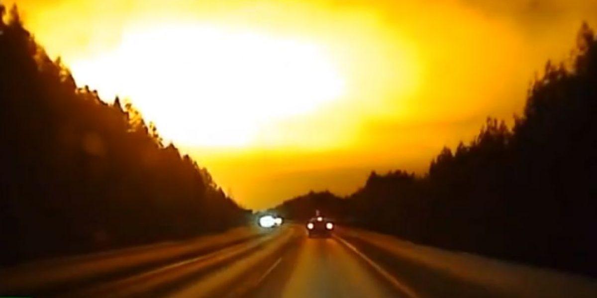 (VIDEO) Inexplicable hasta ahora: Una bola de fuego filmada en Rusia apasiona a los internautas