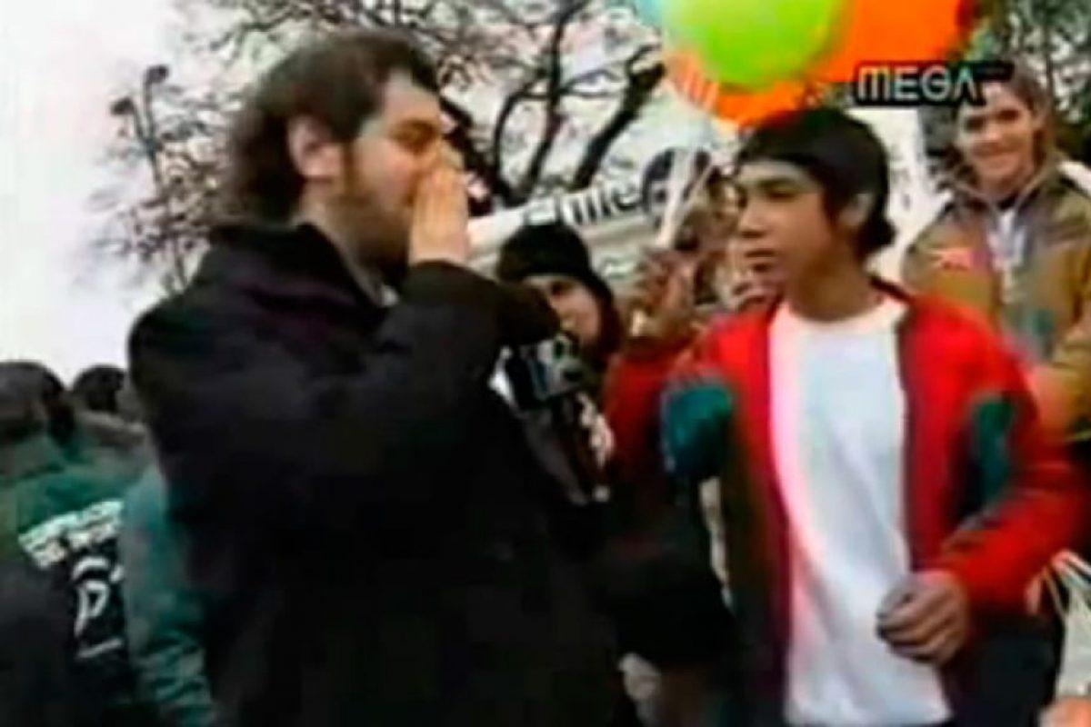 """El """"chipamogli"""" fue un joven que apareció en una nota del programa """"CQC"""" de Mega, convirtiéndose en un personaje de culto. Foto:Mega. Imagen Por:"""