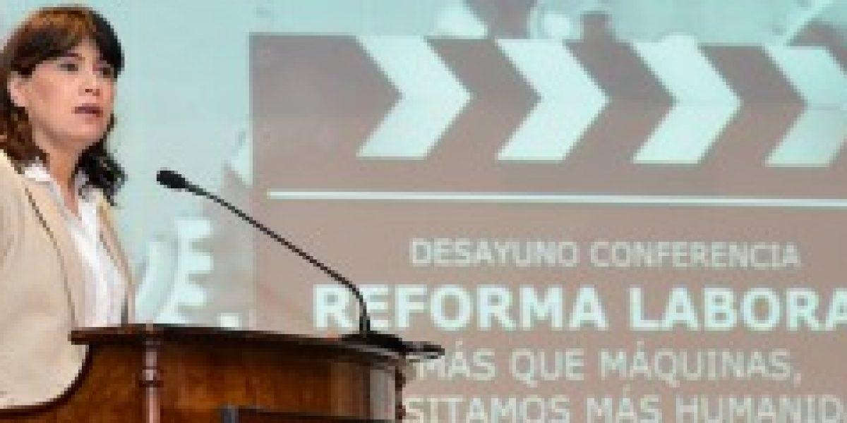Ministra del Trabajo insistió en que presentación de reforma laboral es independiente a situación económica