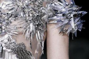 Covergirl y Net-A- Porter sacaron colecciones de la saga. Foto:Capitol Couture. Imagen Por:
