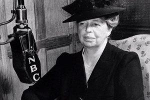 Anna Eleanor Roosevelt, esposa Franklin Delano Roosevelt, se le conoce como la Primera Dama del Mundo por sus extensos viajes para promover los Derechos Humanos. Foto:Imagen tomada de www.lifedaily.com. Imagen Por: