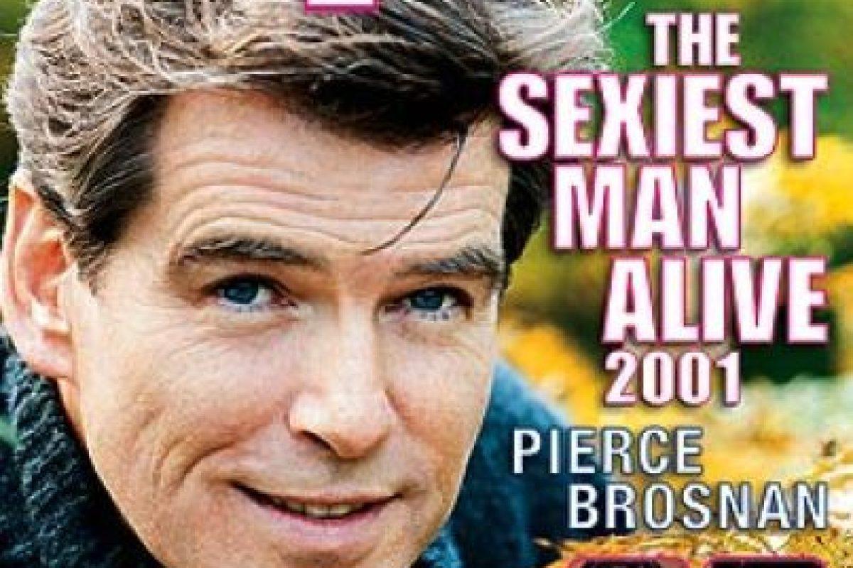2001, Pierce Brosnan Foto:People. Imagen Por: