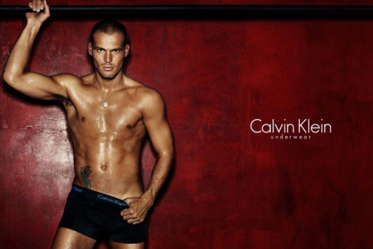Es un ex futbolista sueco, participó en los Mundiales de 2002 y 2006, Foto:Calvin Klein. Imagen Por: