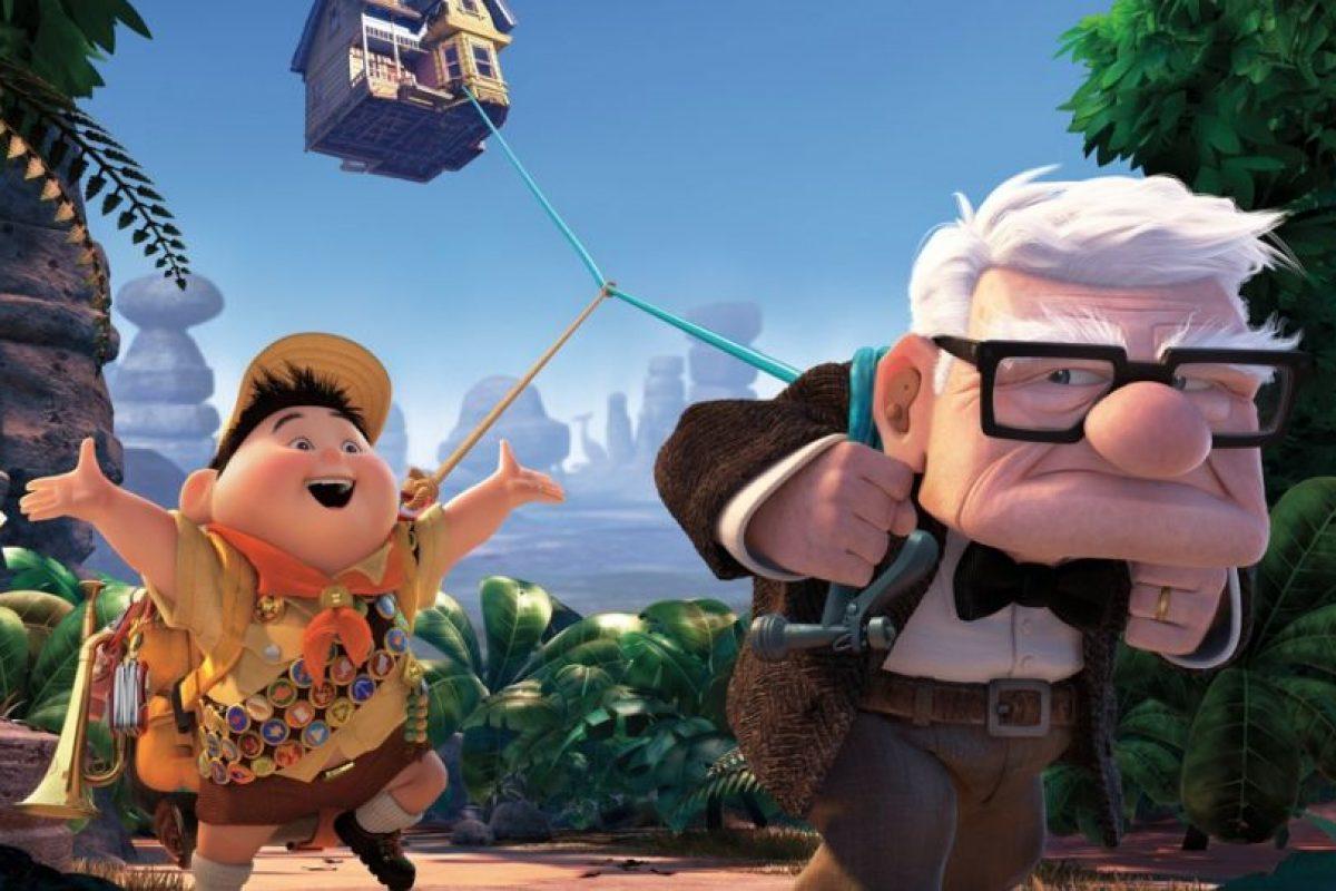 Al final halla en Russell una familia Foto:Pixar. Imagen Por:
