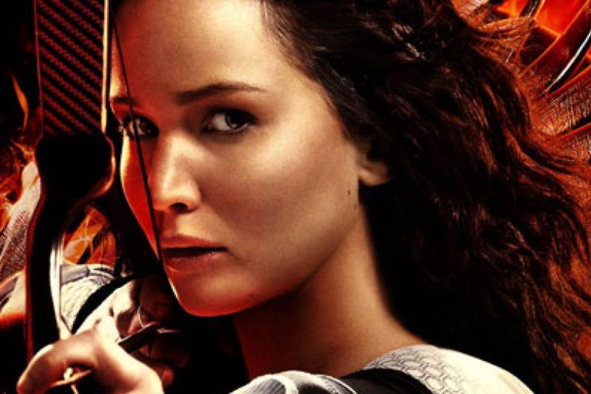 Se confirmó más tarde que Catching Fire comenzará la producción en septiembre de 2012 con Francis Lawrence como director de la secuela Foto:Facebook Los juegos del hambre. Imagen Por:
