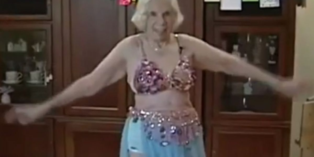 VIDEO: Esta anciana tiene 100 años y es bailarina de