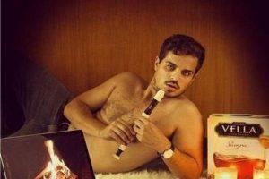 """Algunos hombres hacen del concepto """"sexy"""" algo que se lleva más allá. Foto:Oddee. Imagen Por:"""