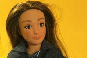 """Lammily es la Barbie """"real"""" con estrías y acné que impactó en estos días por ser más """"real"""" Foto:Lammily. Imagen Por:"""