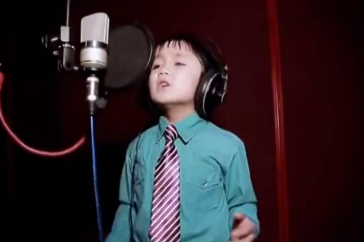 Tiene un inigualable tono de voz Foto:YouTube J'en Ai Marre. Imagen Por: