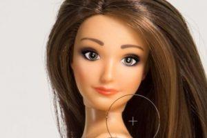 """""""Lammily"""" es una muñeca creada por el diseñador Nickolay Lamm. Tiene las medidas de una mujer """"real"""" y viene con acné y estrías Foto:Lammily. Imagen Por:"""