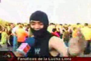 """El """"Shinobi Shileno"""" saltó a la fama en una nota de 24 Horas de TVN sobre los fanáticos de la lucha libre. Foto:TVN. Imagen Por:"""