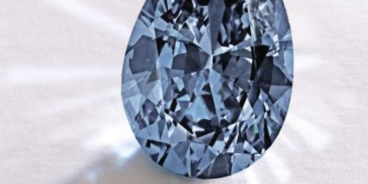 Récord Mundial: Subastan un diamante azul en $32,6 millones de dólares