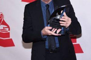 """Joan Manuel Serrat recibió el título a """"Persona del año"""" en los Latin Grammy 2014 Foto:Twitter/Latin Grammys. Imagen Por:"""
