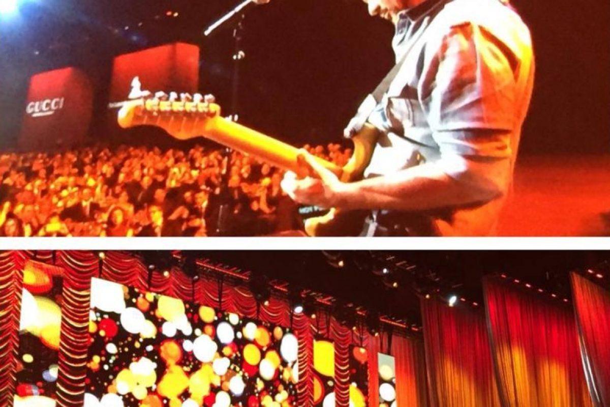 """Juanes interpretando el tema """"Hoy puede ser un gran día"""" Foto:Facebook/LatinGrammy. Imagen Por:"""