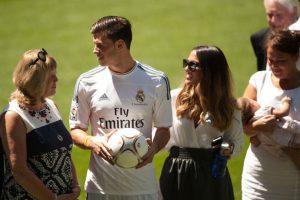 Gareth Bale y Emma Rhys-Jones. Foto:Getty Images. Imagen Por: