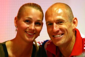 El futbolista holandés está felizmente casado desde 2007. Foto:Getty Images. Imagen Por: