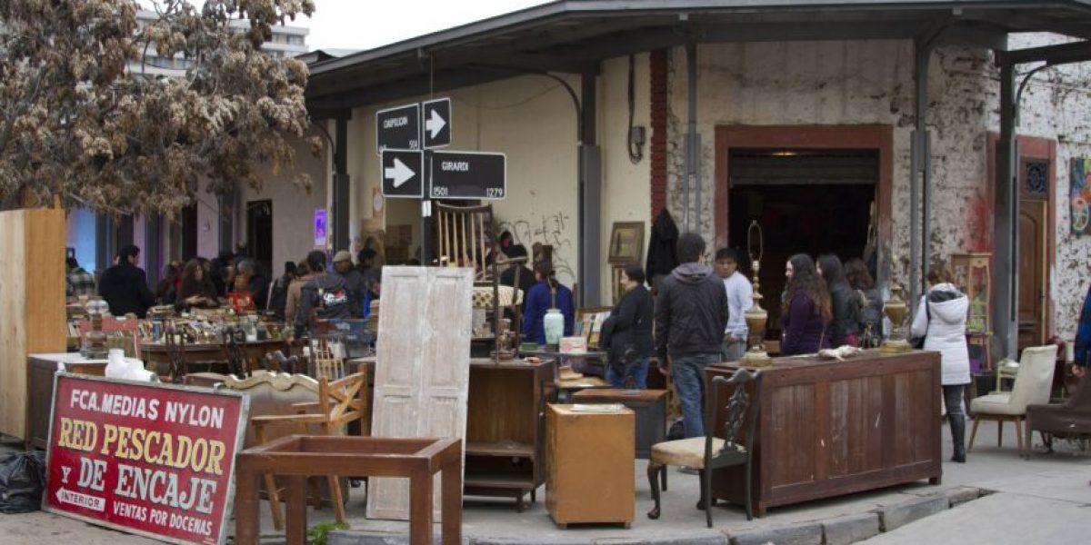 Anticuarios del Barrio Italia dan salto a la modernidad e instalan wi-fi para sus clientes