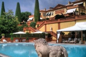 3. Villa Leopolda Foto:Instagram. Imagen Por: