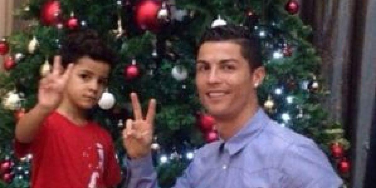¡Tierno! Cristiano Ronaldo y su hijo se preparan para la Navidad