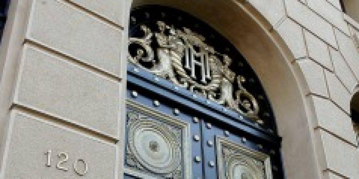 Ministro Arenas confirmó que se sondeará mercado para colocación de bonos en el exterior