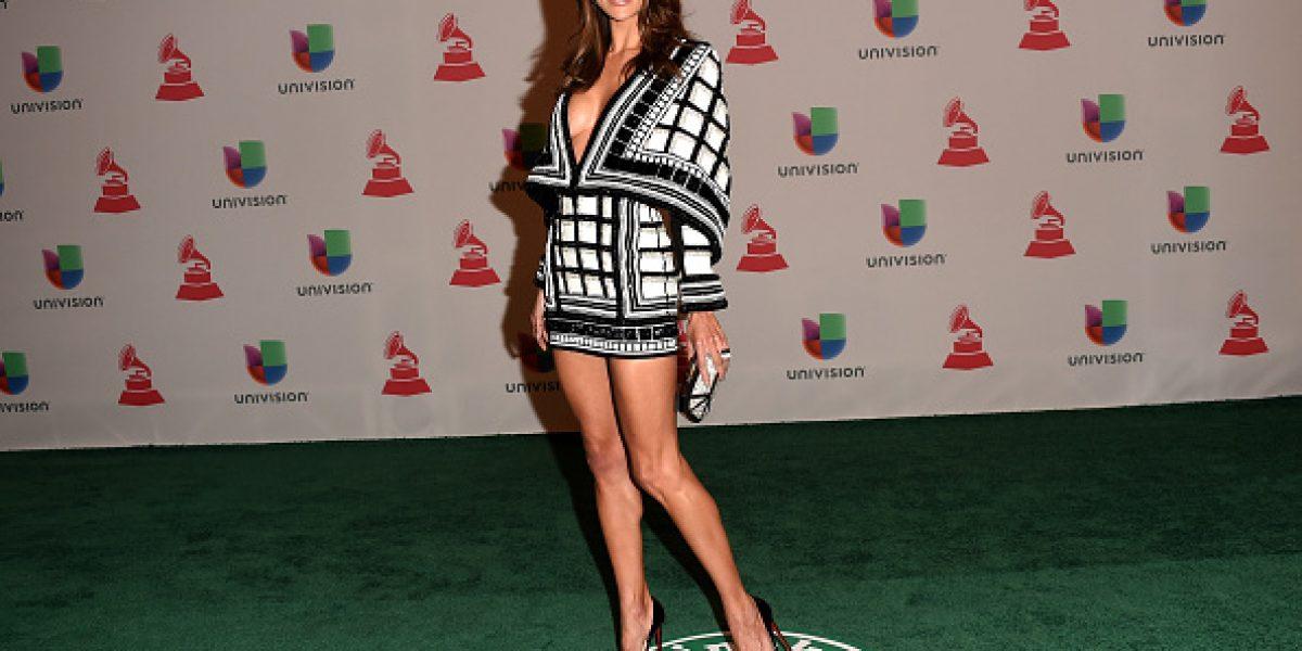 ¿Bochorno de Alessandra Ambrosio hizo que se cambiara de vestido?