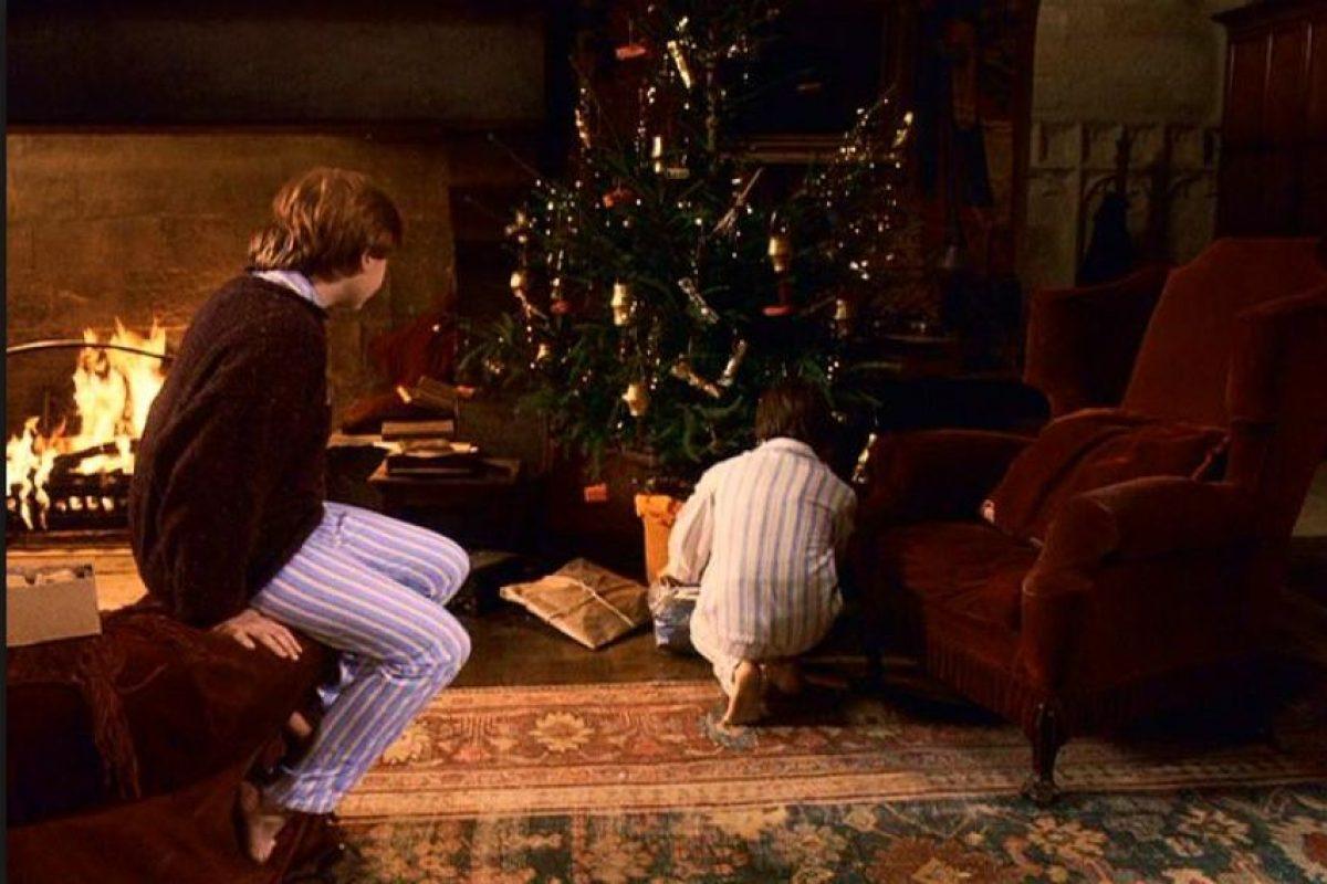 La primera película de la franquicia, Harry Potter y la piedra filosofal, fue estrenada mundialmente a finales del año 2001 Foto:Warner Bros. Imagen Por: