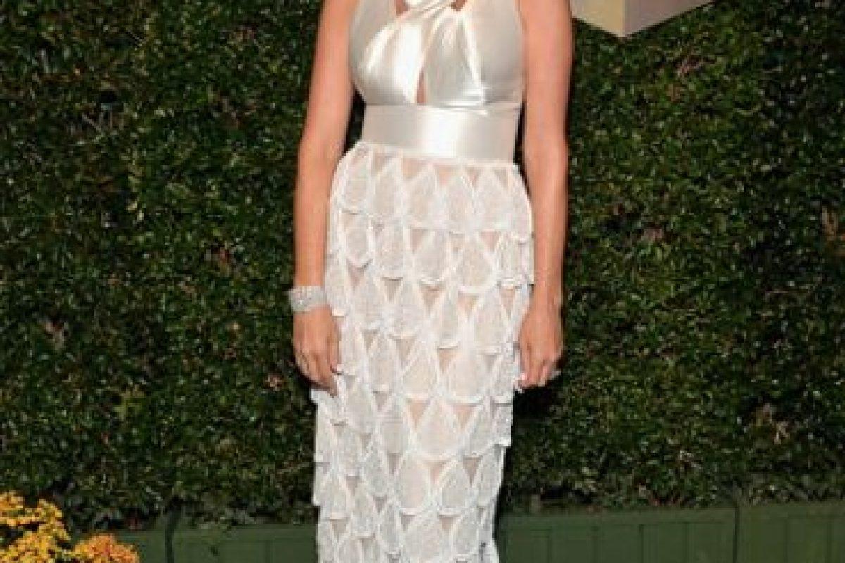 Giselle Blondet, con un vestido que intenta ser arquitectónico Foto:Getty Images. Imagen Por: