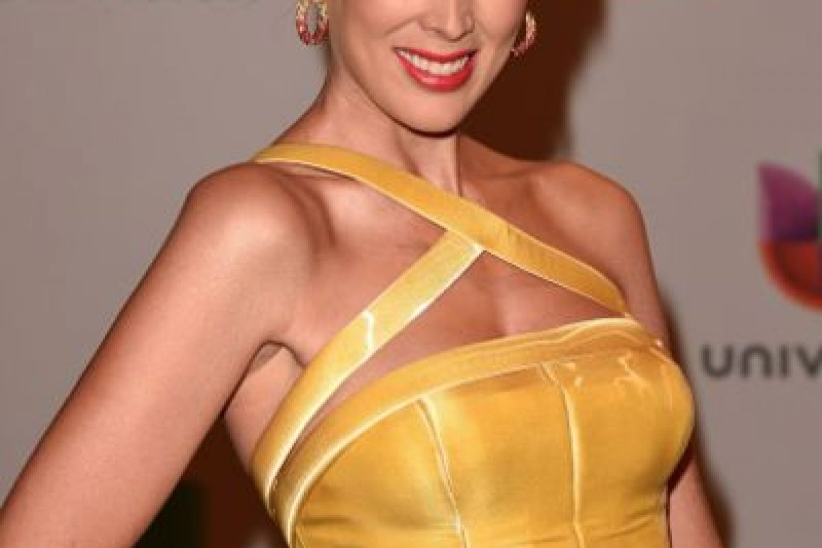 Jacqueline Bracamontes, perfecta de amarillo Foto:Getty Images. Imagen Por: