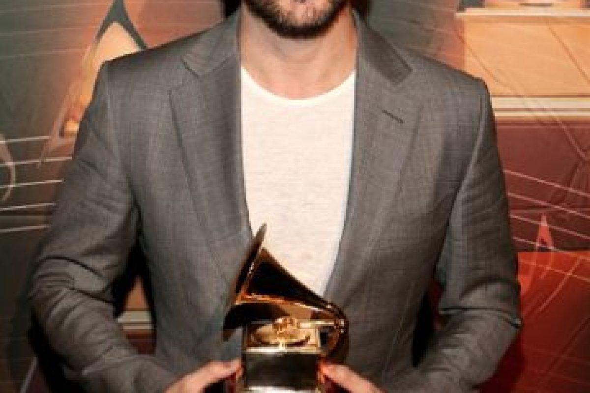 Juanes, sobrio de gris Foto:Getty Images. Imagen Por: