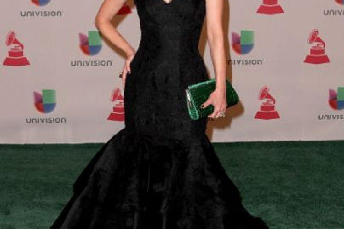 A Lourdes Stephen el vestido la hace ver más ancha Foto:Getty Images. Imagen Por:
