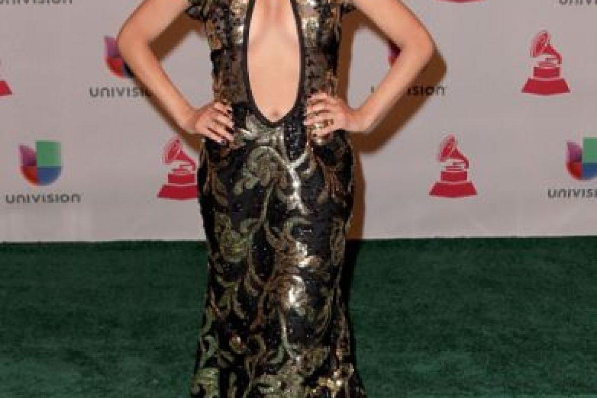 Desiree Estrada: mucho escote y mucho brillo. Foto:Getty Images. Imagen Por:
