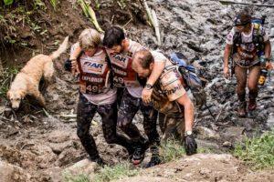Pronto los siguió en su travesía Foto:Team Peak Performance/Facebook. Imagen Por: