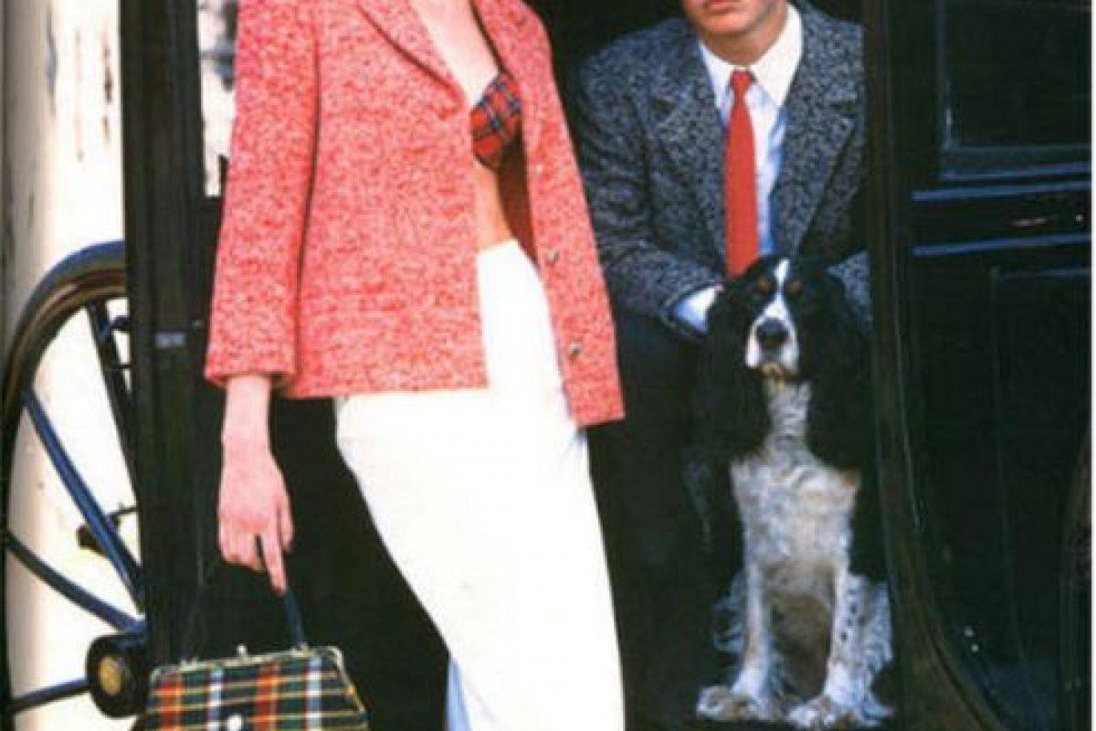 1995, antes de alcanzar la mayoría de edad, Ian Somerhalder ya había modelado para Versace y Nautica Foto:Versace. Imagen Por: