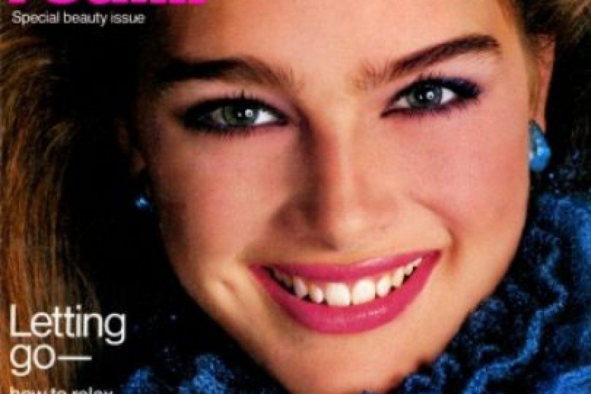 1979, Brooke Shields se convirtió en la modelo más joven en aparecer en la portada de la revista Vogue Foto:Vogue. Imagen Por: