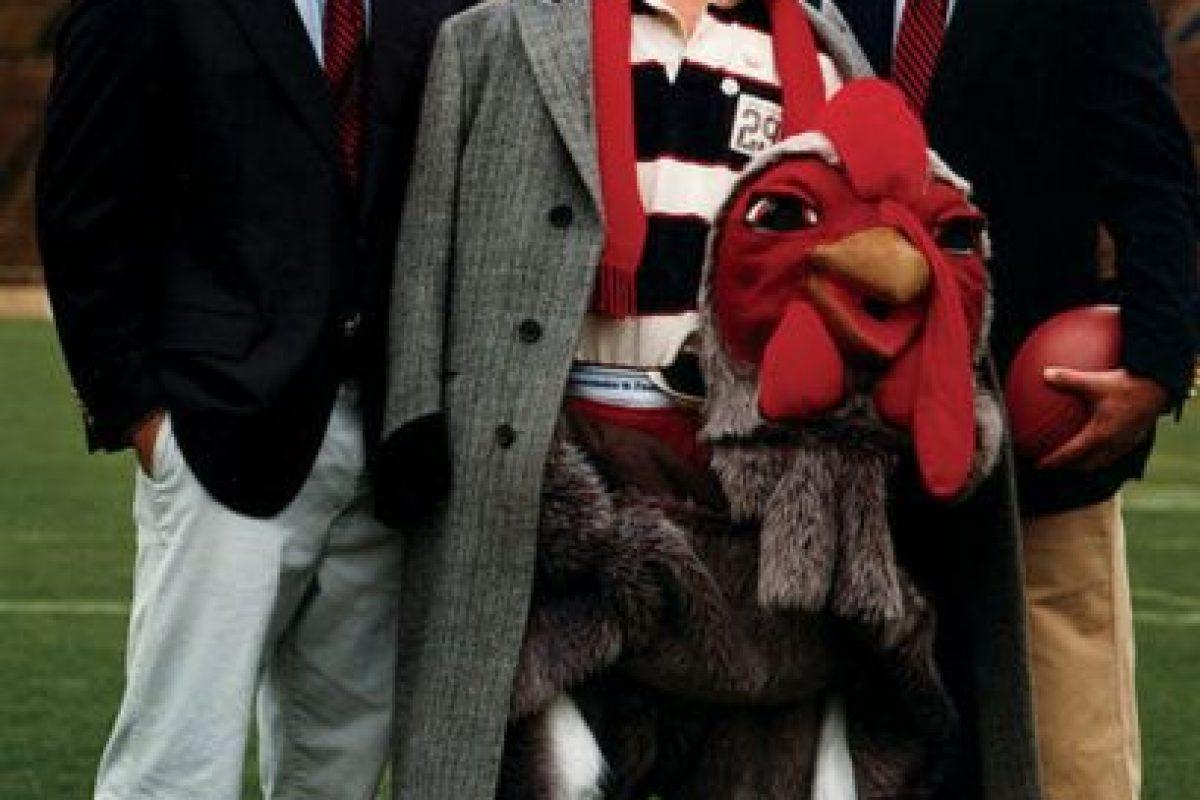 """2000, Channing Tatum apareció en el video """"She Bangs"""" de Ricky Martin como uno de los bailarines del cantante. Además, comenzó a trabajar como modelo, apareciendo en anuncios para Armani y Abercrombie & Fitc Foto:Abercrombie & Fitch. Imagen Por:"""