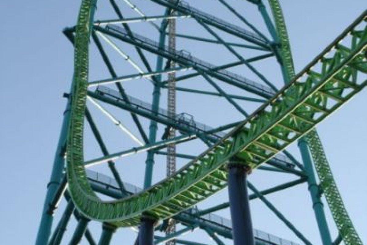 Parque: Six Flags Great Adventure. Localización: Jackson, Nueva Jersey, EE. UU. Altura: 139 m. Velocidad: 206 km/h. Longitud: 950 m. Caída: 127 m. Foto:Wikimedia. Imagen Por: