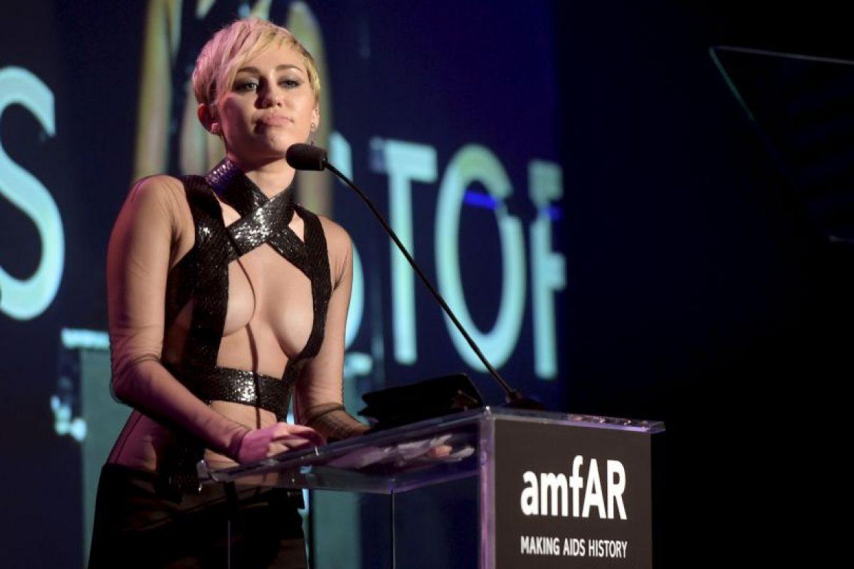 En 2007 firmó con Hollywood Records para seguir una carrera como solista Foto:Getty Images. Imagen Por: