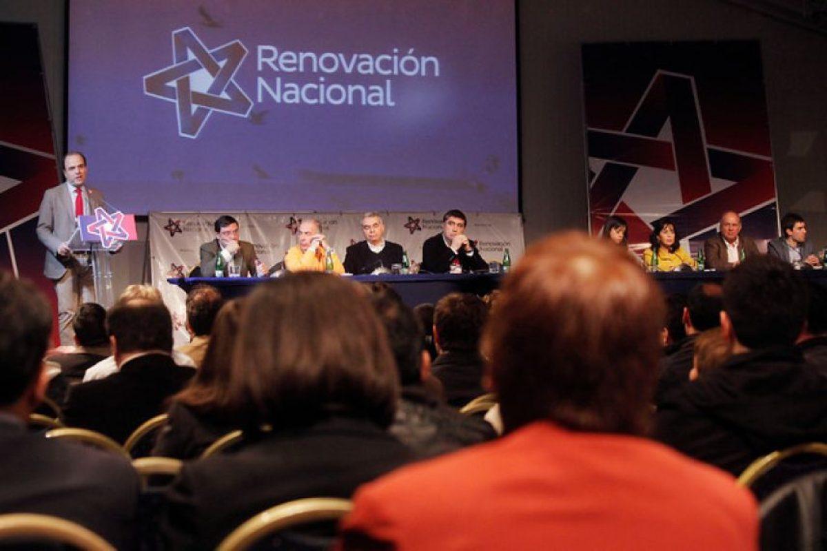 El presidente de Renovación Nacional da su discurso en el Consejo Doctrinario del partido, realizado este fin de semana en Pucón. Foto:Agencia UNO. Imagen Por: