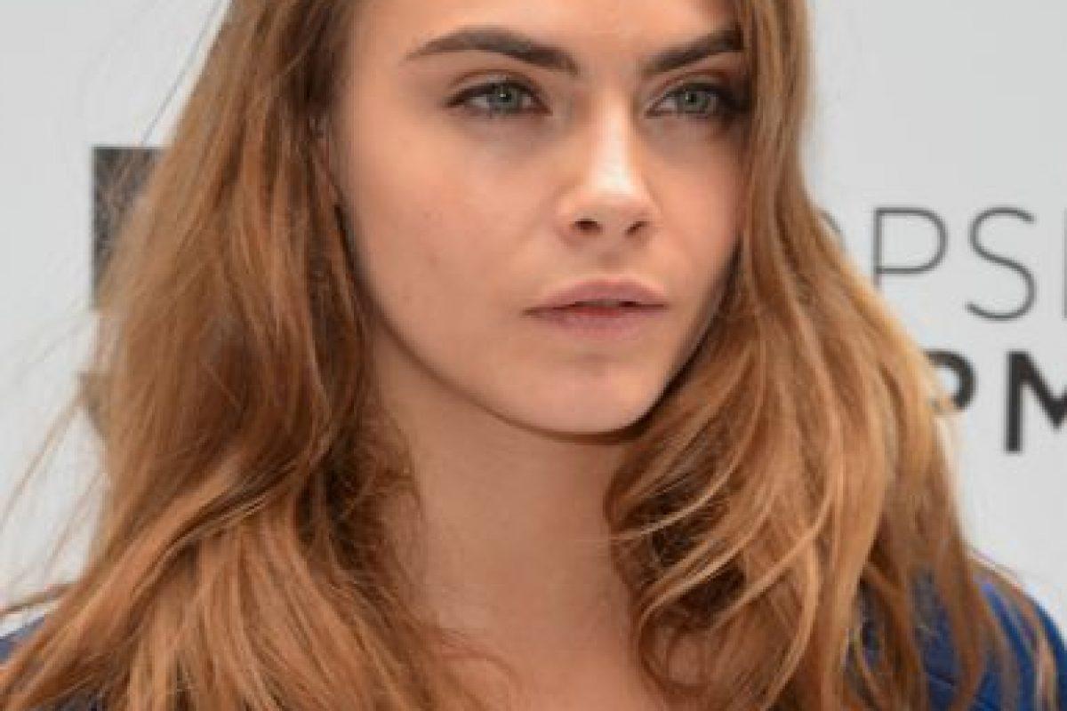 Fue rostro de la campaña Beauty de Burberry, junto con Edie Campbell y Jourdan Dunn Foto:Getty Images. Imagen Por: