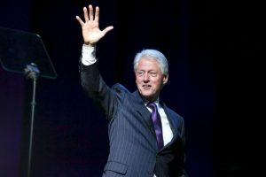 De acuerdo a información de CNN, el padre biológico de Clinton murió antes de su nacimiento. Su padrastro le dio el apellido y lo crió Foto:Getty Images. Imagen Por: