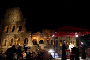 En abril pasado, el Papa Francisco encabezó el Viacrucis en el Coliseo Romano Foto:Getty Images. Imagen Por: