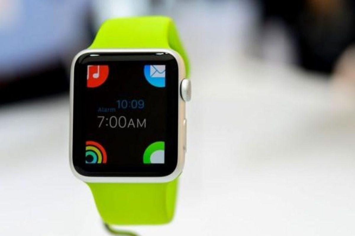 38279942795 Revista Time eligió al Apple Watch como el mejor invento tecnológico del año.  Foto: @i24mundo. Imagen Por: Foto: @postcastRST.