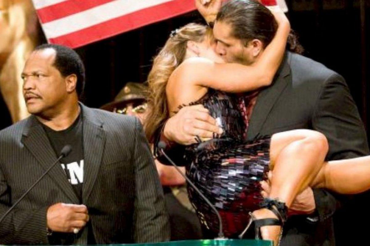Mickie James y El Gran Khali Foto:WWE. Imagen Por: