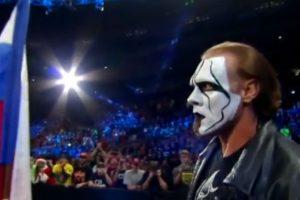Cuando parecía que el Equipo de la Autoridad ganaría el combate principal de Survivor Series apareció Sting Foto:WWE. Imagen Por: