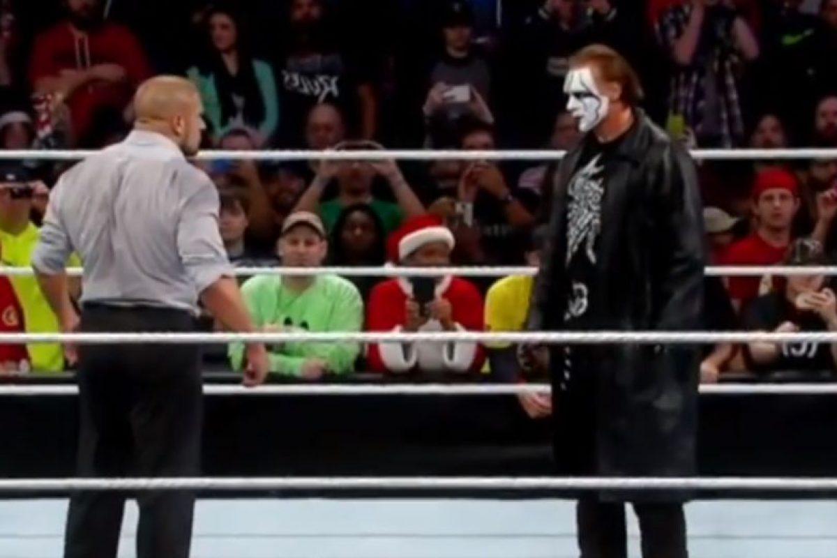 Subió al cuadrilátero y se encaró con Triple H Foto:WWE. Imagen Por: