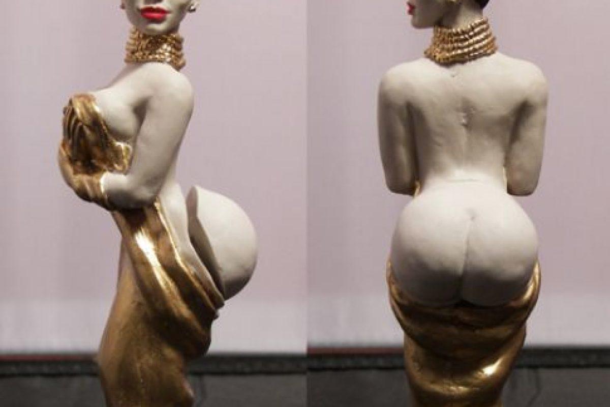 Su trasero es postizo y la pueden vestir de negro o dorado. Foto:herobuilders.com. Imagen Por: