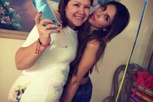 Así se le ve ahora. Acá celebra el cumpleaños de su madre. Foto:Instagram/Daniela Ospina. Imagen Por: