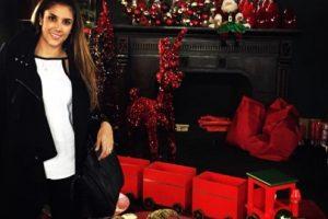 Aquí, haciendo preparativos navideños, en una foto reciente. Foto:Instagram/Daniela Ospina. Imagen Por: