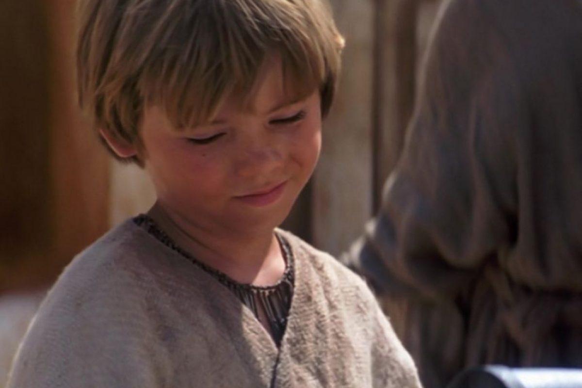 Y también da pie a la tercera Foto:Facebook Star Wars. Imagen Por: